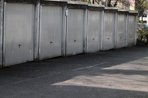 La Porte De Garage En Acier | Portes-Et-Fenêtres.Net