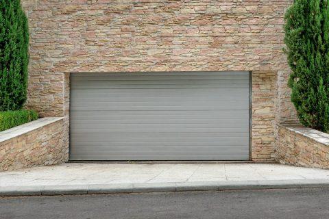 Les avantages d'une porte de garage à enroulement